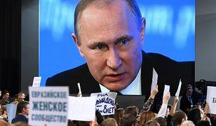 Każdej konferencji Putina towarzyszy tłum dziennikarzy