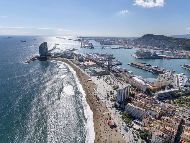 Wakacje 2020. Hiszpania. Granice otwarte od 1 lipca