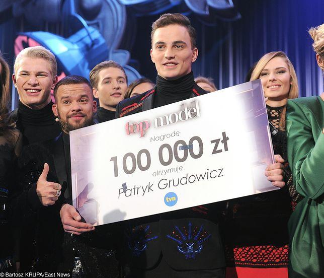 """Patryk Grudowicz wygrał """"Top Model"""". Teraz reklamuje środki do higieny intymnej"""