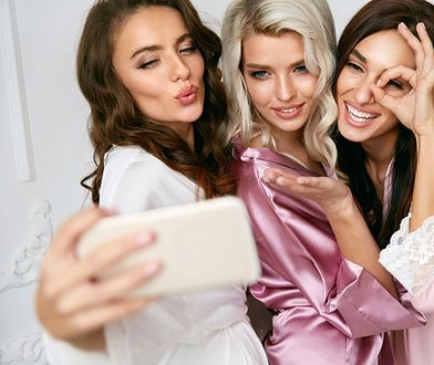 Piękne szlafroki dla kobiet w każdym wieku. Wybraliśmy modele ciepłe i eleganckie