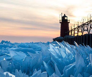 Jezioro Michigan niemal całkowicie zamarzło zimą