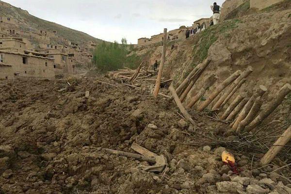 Ponad 2100 ofiar śmiertelnych lawiny błotnej w Afganistanie