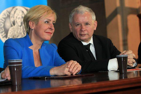 Jarosław Kaczyński oraz posłanka Jadwiga Wiśniewska