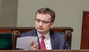 Ksiądz zarzucający biskupowi popełnienie przestępstwa trafił do szefa gabinetu politycznego Zbigniewa Ziobry