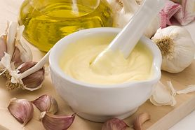 Sos majonezowy z dodatkiem soli