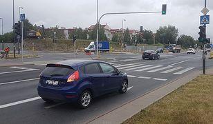 W ruchu drogowym bardzo ważne jest prawidłowe porozumiewanie się pomiędzy kierującymi