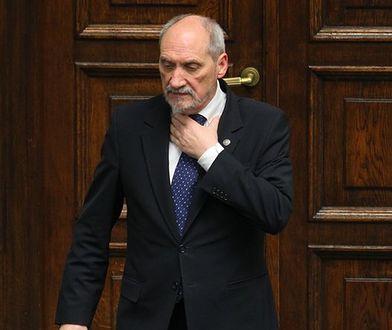 """""""FAZ"""" uderza w Antoniego Macierewicza. Rosyjskie powiązania szefa MON"""