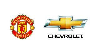 Logo Chevrolet na koszulkach Manchester United