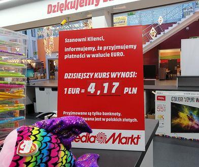 Euro można płacić w polskich marketach, choć zwykle tylko przy granicy