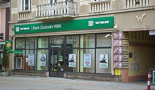 Klienci Santandera w swoich emocjonalnych wpisach z rozrzewnieniem wspominają BZ WBK.