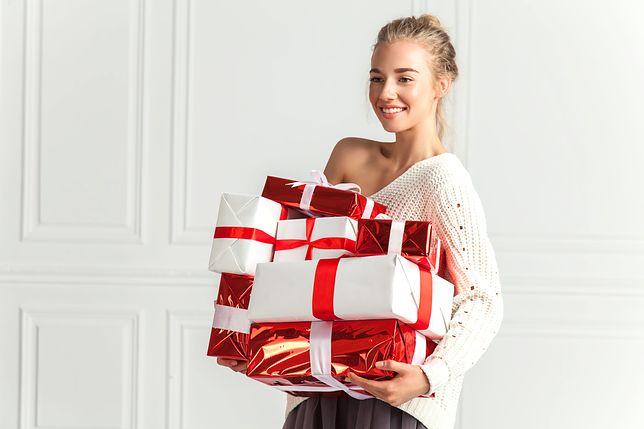 Wybrane wcześniej prezenty to duża oszczędność czasu w gorącym przedświątecznym okresie.