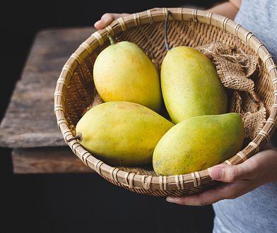 Wyjaśniamy, jak obrać mango