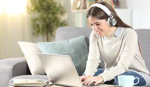 Branża technologiczna potrzebuje kobiet. Jak zacząć karierę w IT?