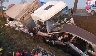 Niebezpieczny wypadek na DK22 pod Malborkiem. Na miejscu LPR.
