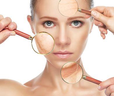 Starzenie się skóry, bruzdy na twarzy, zmarszczki na czole, policzkach, szyi