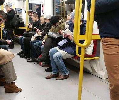 Jechała warszawskim metrem. Zdziwił ją jeden szczegół