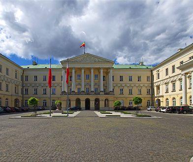 Warszawa. Stołeczny radny PiS krytycznie o sesji Rady Warszawy