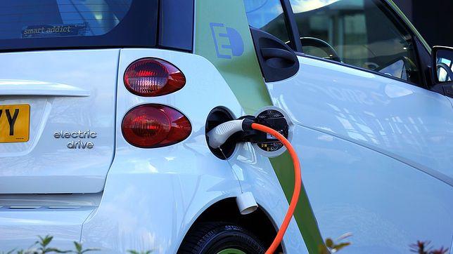 Smart z napędem elektrycznym.