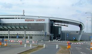 Wpadka przez brwi. Incydent na lotnisku w Poznaniu