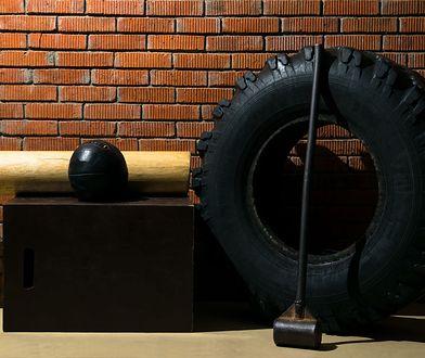 Trening crossfit w wieku 72 lat. Ta kobieta ćwiczy codziennie