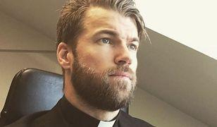 Szwedzki ksiądz, który łączy religię z crossfitem stał się gwiazdą internetu