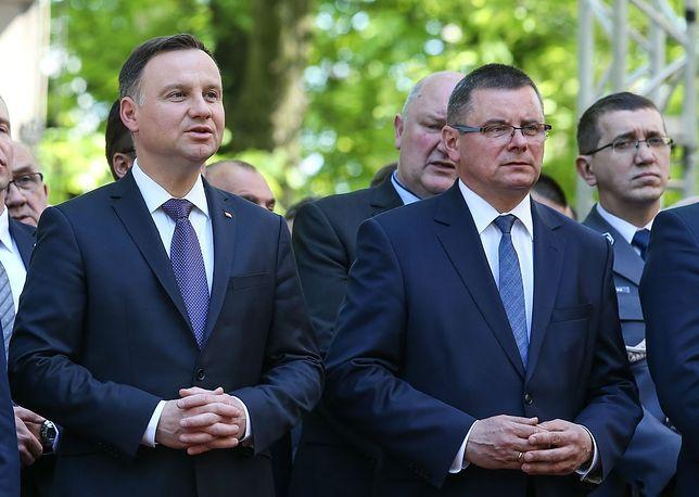 Jerzy Polaczek, poseł PiS walczący w wyborach samorządowych, chwali się wyborcom, jak załatwia dotacje dla Piekar Śląskich