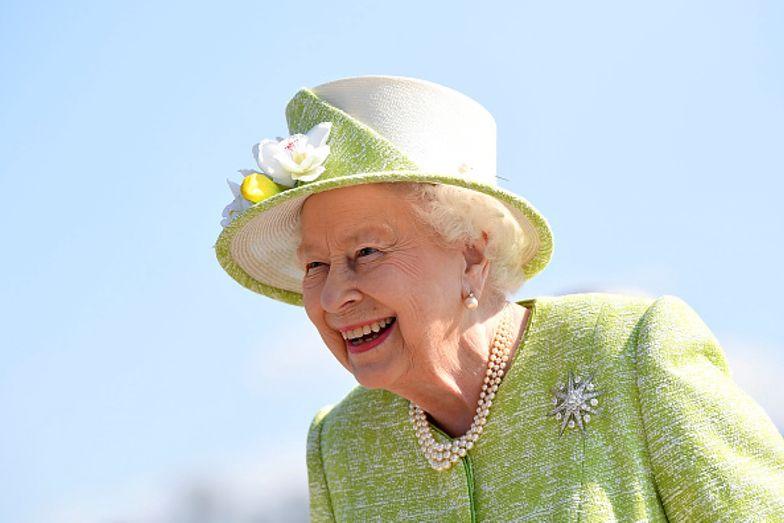 Ujawniono tajemnicę królowej. Tak Elżbieta II zachowuje się wśród najbliższych