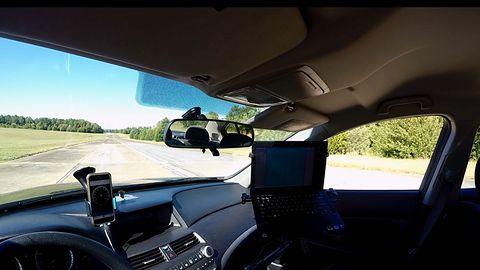 Autonomiczne samochody mogą wyeliminować sygnalizację świetlną
