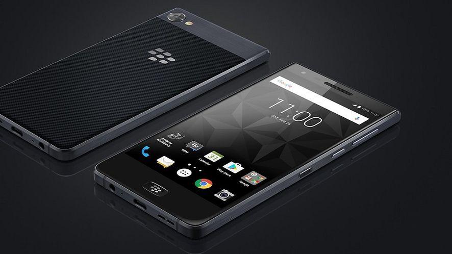 BlackBerry Motion zaprezentowane: średniak bez fizycznej klawiatury