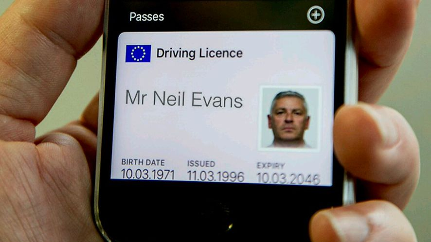 iPhone zastąpi prawo jazdy? W Wielkiej Brytanii ruszyły testy