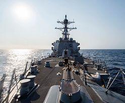 Amerykański niszczyciel USS McCampbell w Cieśninie Tajwańskiej