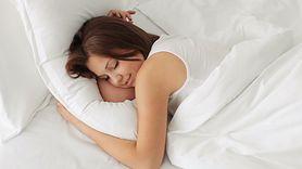 Naukowcy obliczyli, ile godzin dziennie powinniśmy spać. Sprawdź wyniki (WIDEO)
