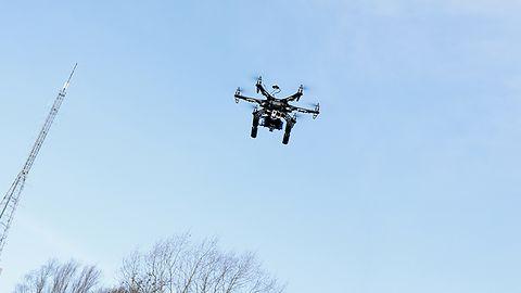 Drony i AI odpowiedzią na potrzebę optymalizacji i zwiększania bezpieczeństwa pracy w terenie