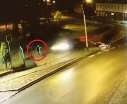 Auto wjechało w pieszego. Przerażające nagranie ze Śląska