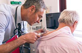 Ziarniniak obrączkowaty – przyczyny, wygląd zmian i leczenie