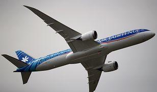 Samolot należący do linii Air Tahiti Nui.