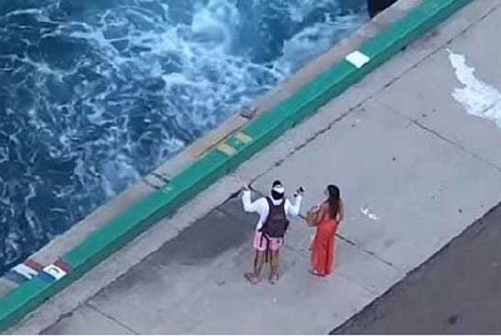 Nie zdążyli na statek. Turyści porzuceni na Bahamach