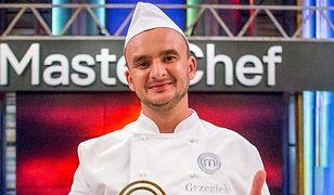 """""""MasterChef"""". Grzegorz Zawierucha wygrał 8. edycję. Brat pospieszył z gratulacjami"""