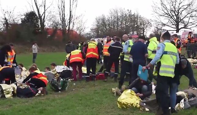 Wypadek szkolnego autobusu we Francji. 27 osób rannych