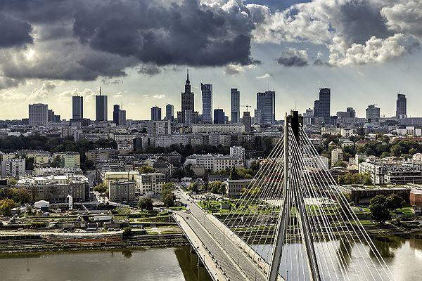 CBOS: Polska krajem bezpiecznym, ale obawiamy się masowej imigracji