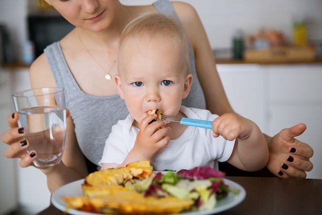 Jak zachęcić roczne dziecko do jedzenia?
