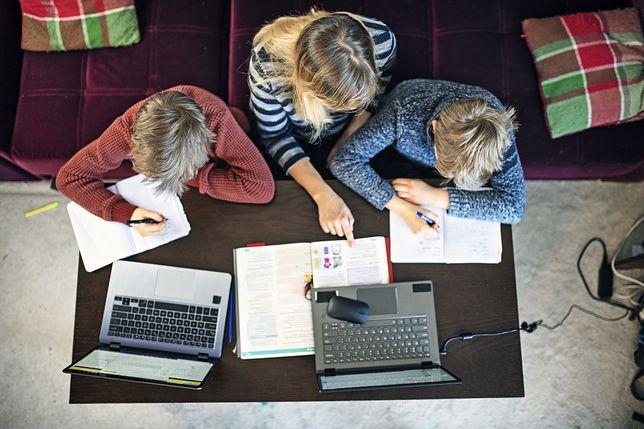 Rodzice coraz poważniej myślą o edukacji domowej
