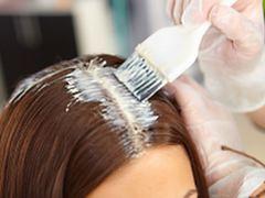 Jak farbować włosy w domowych warunkach?