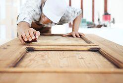 Renowacja starych drewnianych drzwi. Prosty przewodnik krok po kroku