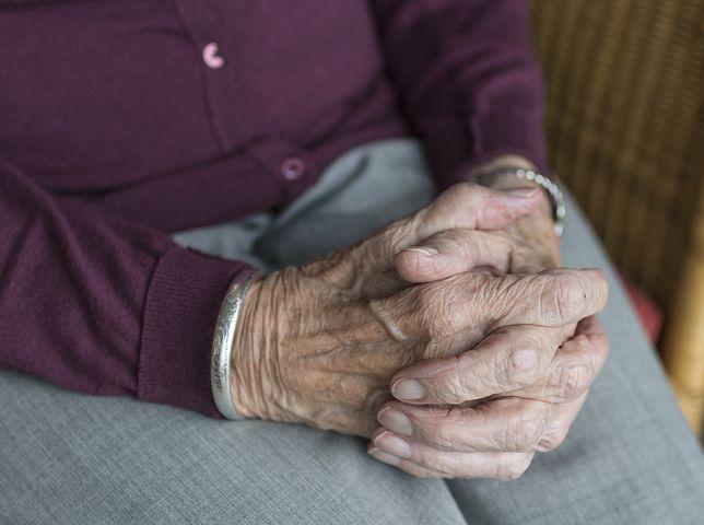Samotność w pandemii dotyka przede wszystkim osoby starsze
