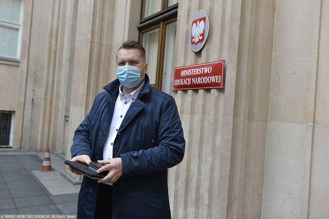 Przemysław Czarnek do dymisji? Minister nauki i edukacji odpowiada