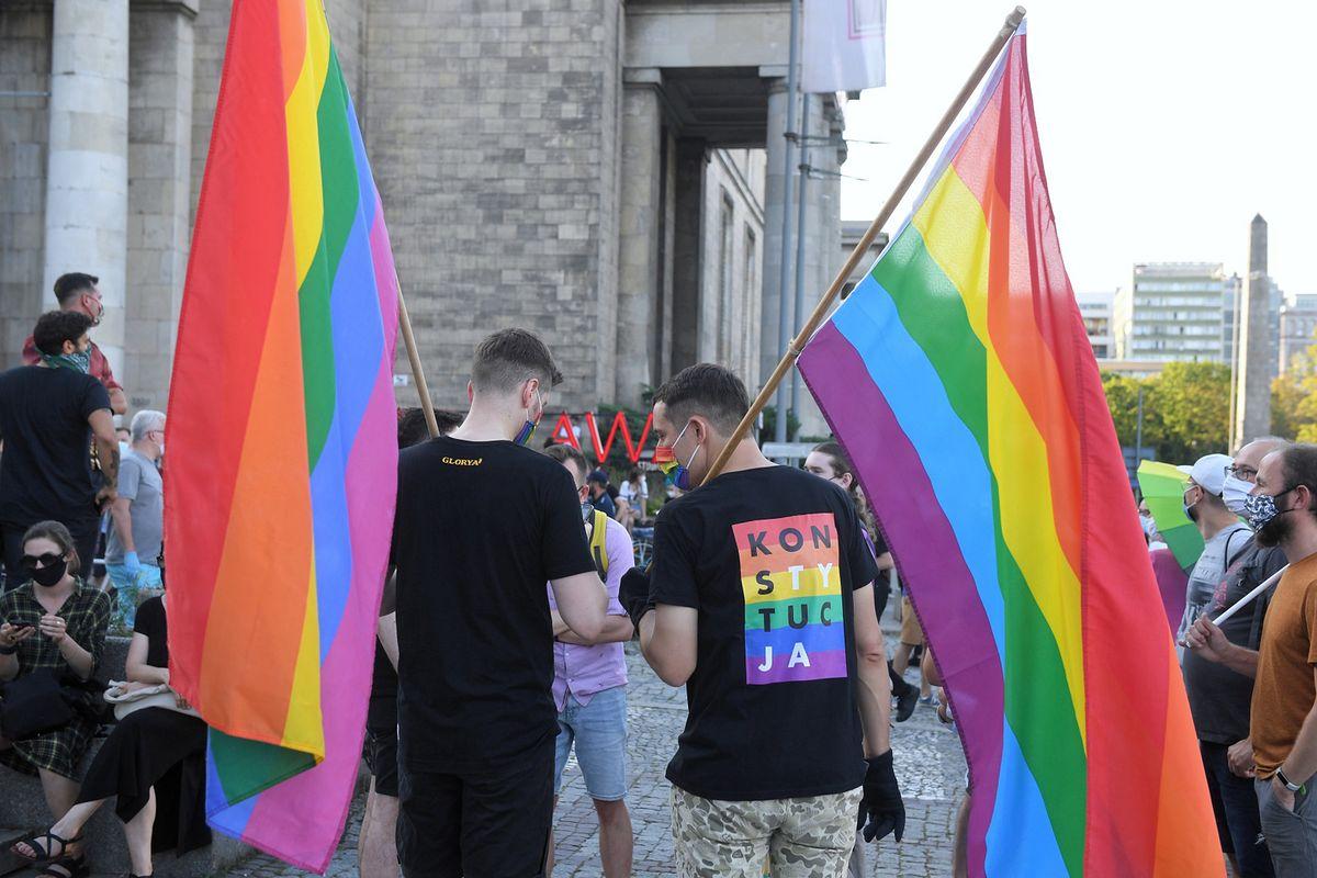 """Koziński: """"Jak LGBT zmienia polską politykę? Wyraźna pułapka na opozycję"""" [OPINIA]"""