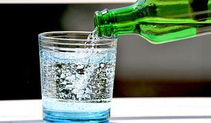 Woda wypłukuje sód, który jest ważnym składnikiem mineralnym