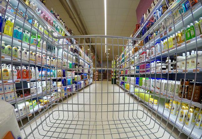 Wyższy VAT to wyższe ceny w sklepach czy też np. na stacjach paliw.