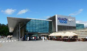 Widok na budynek lotniska w Krakowie